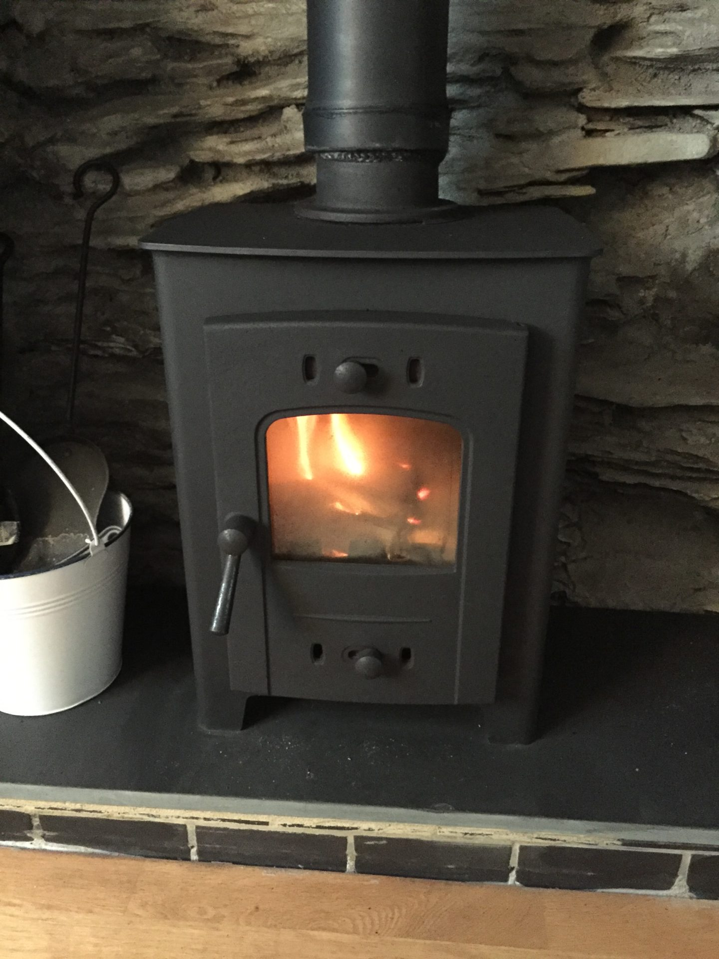 3 Evans Terrace Wood burning stove